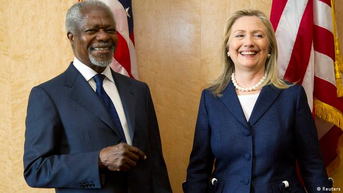U.S. Secretary of State Hillary Clinton and Kofi Annan, Joint Special Envoy of the United Nations and the Arab League for Syria, pose before the Action Group on Syria meeting at the United Nation's Headquarters in Geneva June 30, 2012. REUTERS/Haraz N. Ghanbari/Pool (SWITZERLAND - Tags: POLITICS)