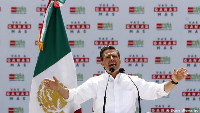 En México causó recelo la cercanía entre el Grupo Televisa y el candidato presidencial del PRI, Enrique Peña Nieto (en la foto).