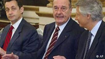 Jacques Chirac mit Nicolas Sarkozy, links, und Dominique de Villepin