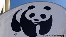 ARCHIV - Das WWF-Logo, aufgenommen am 29.06.2011 in Berlin. Die Umweltstiftung World Wide Fund for Nature (WWF) geht massiv gegen ein kritisches Buch über ihre Arbeit vor. Foto: Jens Kalaene dpa (zu dpa 0690 vom 04.06.2012) +++(c) dpa - Bildfunk+++