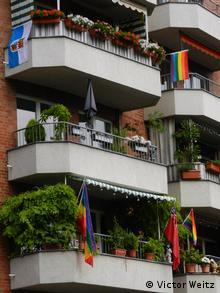 Кельн приветствует гей-парад