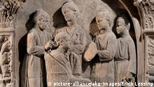 Italien Rom Antike Dame bei Toilette