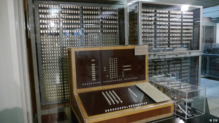 Копия компьютера Z3 в Немецком техническом музее (Мюнхен)