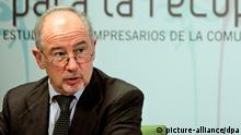 epa03235389 Spanish former Chairman of Bankia, Rodrigo Rato, during the lecture 'The potential of Spanish Economy' as part of the 18th conferences for businessmen organized by La Alameda hall of residence in Valencia, eastern Spain, 25 May 2012. Rato has plead to 'find a compatible way between the economic adjustments and the growth' and to increase the foreign opening-up of the Spanish Economy through exporting companies. EPA/MANUEL BRUQUE +++(c) dpa - Bildfunk+++