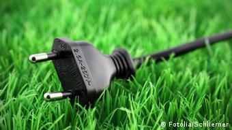 #30166634 5.7.12 Symbolbild Energie Grün Strom Stecker Netzstecker Stromspannung Umwelt Ökostrom
