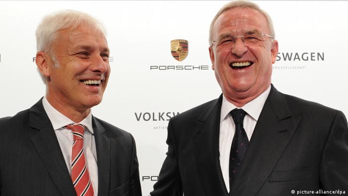 Martin Winterkorn Porsche Volkswagen Pressekonferenz (picture-alliance/dpa)