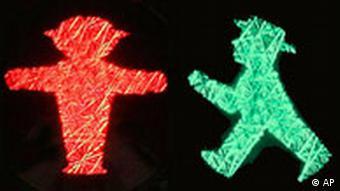 Ein Ampelmännchen Ost Kombo rot und grün