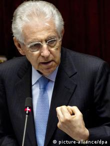 epa03296561 Italian Prime Minister Mario Monti delivers a speech at the Parliament in Rome, Italy, 05 July 2012. Monti urged lawmakers to approve the European Union's fiscal compact and the permanent bailout fund known as the European Stability Mechanism (ESM) before the end of July. EPA/CLAUDIO PERI +++(c) dpa - Bildfunk+++