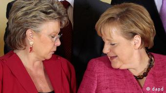 EU Kommissionsvizepräsidentin Viviane Reding und Angela Merkel