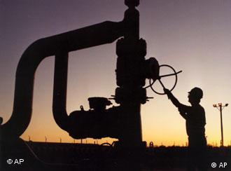 هند پس از چین  و ژاپن سومین خریدار بزرگ نفت ایران است