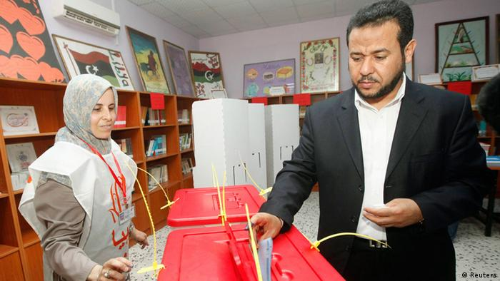 Abdel Hakim Belhadj, leader of Al-Watan party and former head of the Tripoli military counsel, casts his vote at a polling station during the National Assembly election in Tripoli July 7, 2012. Libyans, some with tears of joy in their eyes, queued to vote in their first free national election in 60 years on Saturday, a poll designed to shake off the legacy of Muammar Gaddafi but which risks being hijacked by violence. REUTERS/Ismail Zitouny (LIBYA - Tags: POLITICS ELECTIONS)