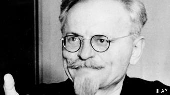Ο Λέων Τρότσκι έβαλε τις βάσεις για τη σύσταση του Κόκκινου Στρατού