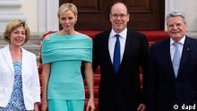 Deutschland Monaco Fürst Albert II und seine Frau Charlene in Berlin bei Bundespräsident Joachim Gauck