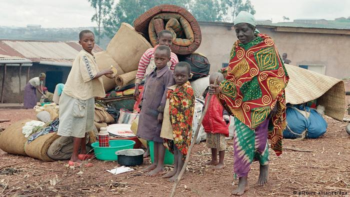 Eine Familie aus Ruanda in einem Flüchtlingscamp (Foto: (ddp images/AP Photo/Jean-Marc Bouju)