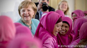 Merkel at the Istiqlal mosque