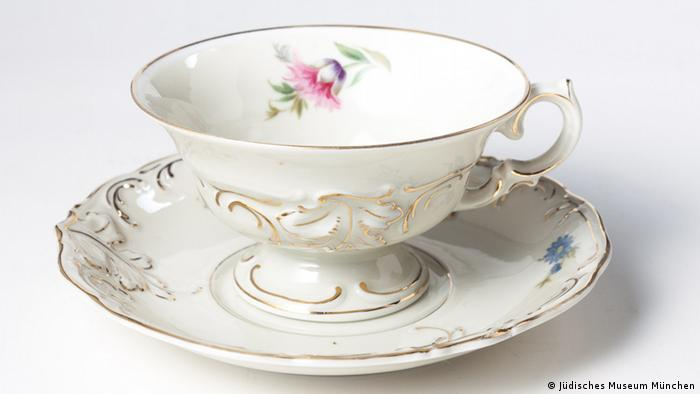 Teacup made in 1937 in Riga, exhibited at the Jewish Museum in Munich