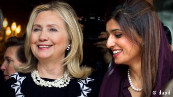 US Secretary of State Hillary Clinton, left, and Pakistani Foreign Minister Hina Rabbani Khar