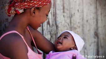Afrika Mutter und Kind Baby Symbolbild