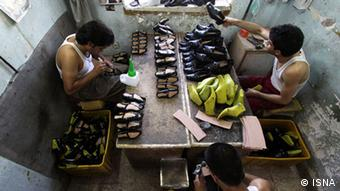 Iranian shoemakers faces difficulties because of shoe export from China. (Photo: ISNA)
