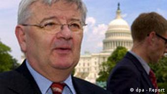Joschka Fischer gibt Interview in Washington