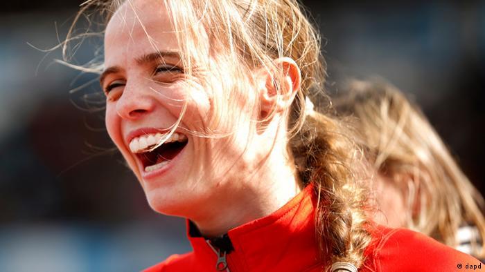 Silke Spiegelburg lacht (Foto: dapd)