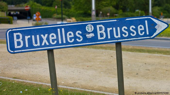 bilingual sign for Brussels