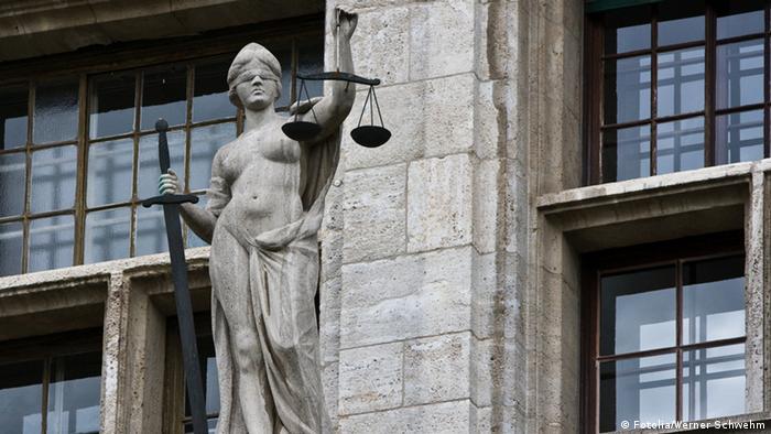 Reforma lui Tudorel Toader facilitează intervenția politică în dosarele procurorilor »