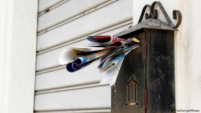 Overflowing mailbox (Fotolia/cybrflower)