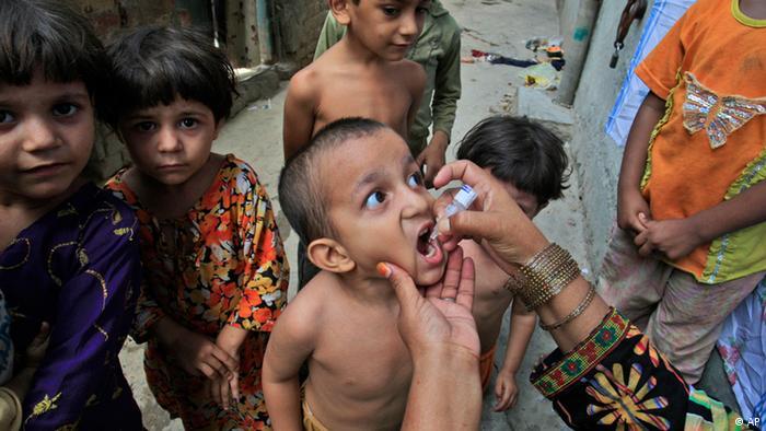 Campaña de vacunación contra la polio en Pakistán.