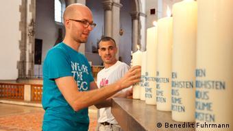 Benedikt Fuhrmann (esq.) e Ronny Edry na St. Maximilian Kirche