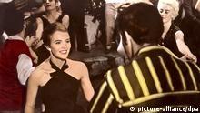 Bonjour Tristesse (Bonjour Tristesse, USA 1957, Regie: Otto Preminger) Jean Seberg / Tanzlokal, Paare, junge Frau tanzen, Tanz; Verfilmung des gleichnamigen Romans von Francoise Sagan, Literaturverfilmung / RTG14