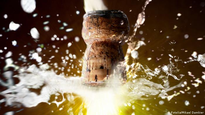 Close up of champagne cork popping (Photo: Mikael Damkier - Fotolia 2007)