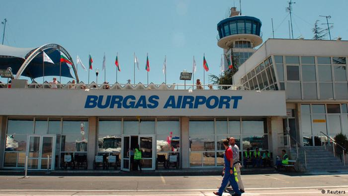 The main terminal and control tower are seen at Bulgaria's Burgas airport in this August 3, 2007 file photo. An explosion in a bus carrying Israeli tourists which killed at least four and injured dozens at the Bulgarian airport of Burgas on July 18, 2012 was a deliberate attack, national radio BNR quoted Interior Minister Tsvetan Tsvetanov as saying. Picture taken August 3, 2007. REUTERS/Nadezda Chipeva/Files (BULGARIA - Tags: DISASTER TRANSPORT)
