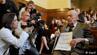 NS-Kriegsverbrecher Sandor Kepiro Prozess 2011