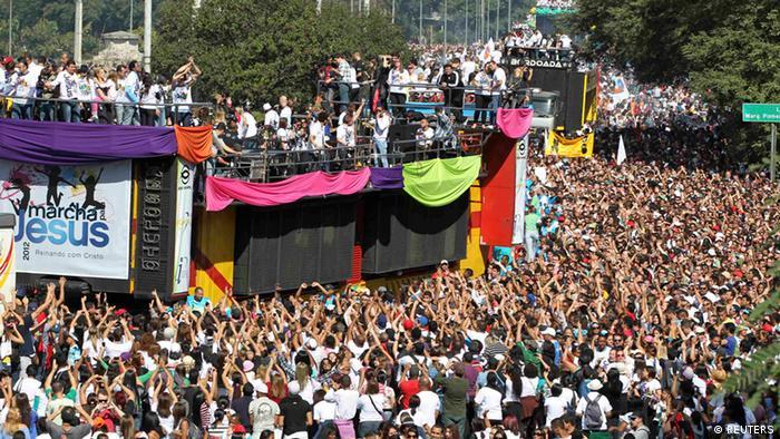Jesus Parade in Sao Paulo (REUTERS)