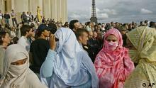 Frauen mit Kopftuch in Paris