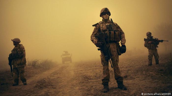 Deutsche Soldaten im Einsatz in Afghanistan - Foto: Joker (picture-alliance)