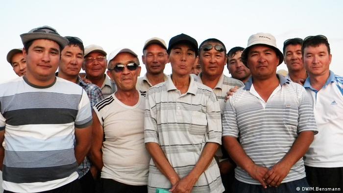 Streikende in Schanaozen, Kasachstan 2011 (Foto: Marcus Bensmann, DW)