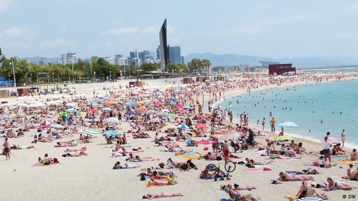 Strand Nova Icaria, Barcelona, im Juli 2012 (Foto: DW)