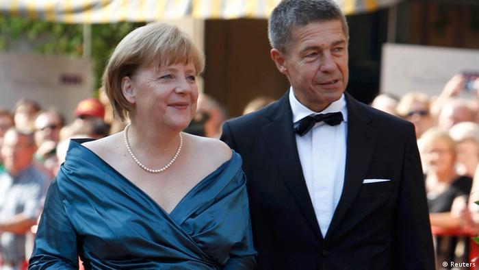Анґела Меркель неодноразово з'являлася в Байройті в одній і тій самій сукні. Одні критикують канцлерку, інші хвалять за бережливість