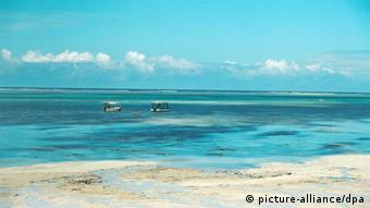 Blue sea and sands on the Kenyan coast