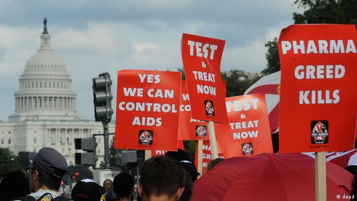 Manifestantes durante la Conferencia de SIDA en Washington