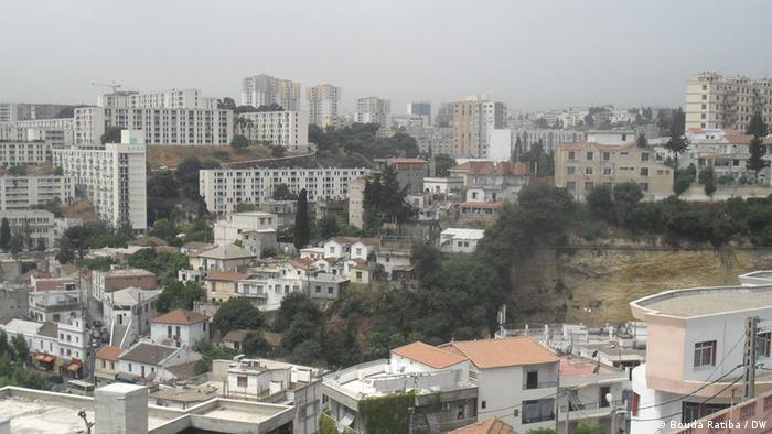 Auf dem Bild:  Blick auf Algier, Algerien. Juli 2012.  Foto: Bouda Ratiba / DW