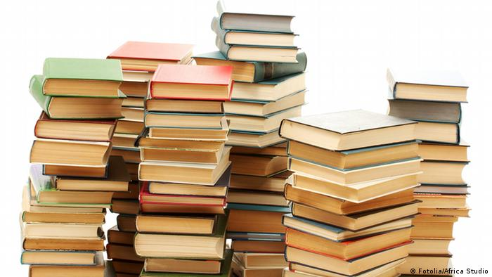 old books isolated on white © Fotolia/Africa Studio #43089026