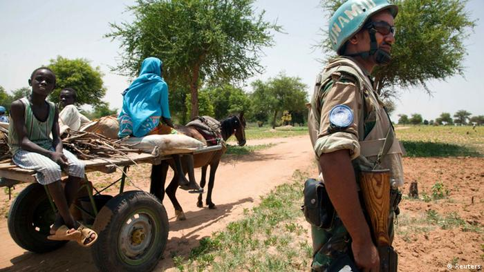 Ein Soldate der internationalen Truppe UNAMID in Süddarfur (Foto: Reuters)