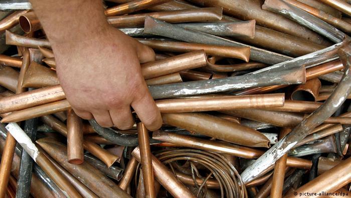 Фотография, символизирующая кражу цветный металлов