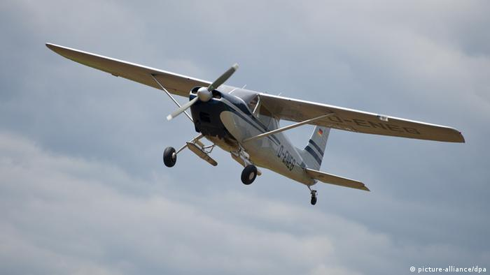 Eine Cessna in der Luft (picture-alliance/dpa)