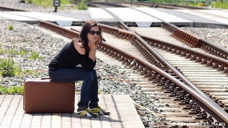 Warten am Bahnsteig