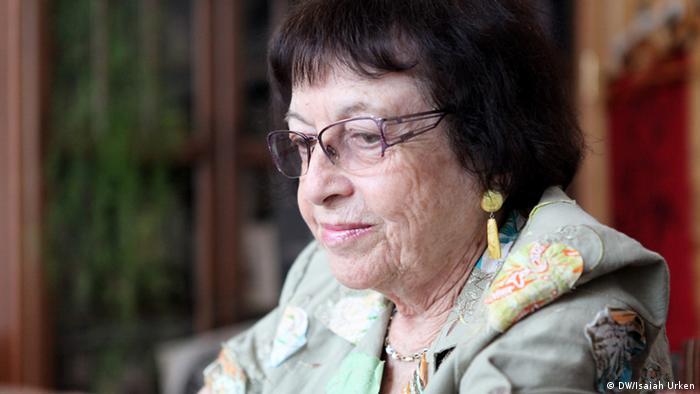 Irena Veisaite, Arbeitszimmer, Juli 2012 Foto: DW/Isaiah Urken Isaiah Urken ist Fotografin in Vilnius/Litauen. Sie hat im Rahmen des Projekts Spurensuche - deutsch-jüdische Geschichte(n) in aller Welt