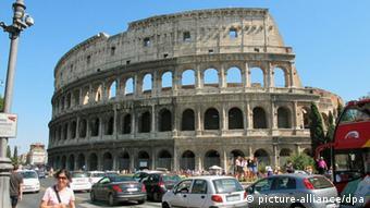 Italien Rom Kolosseum schief